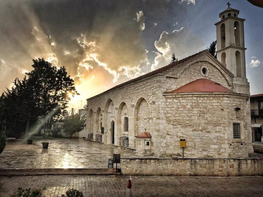 kathikas__-paphos-_-village_-cyprus-tavern.jpg